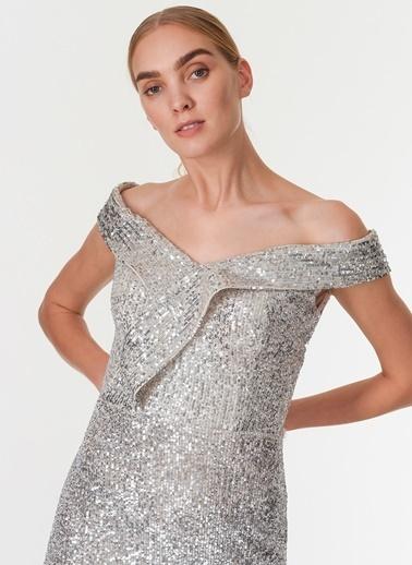 Davet Çok Elbisem Yok Elbise Gümüş